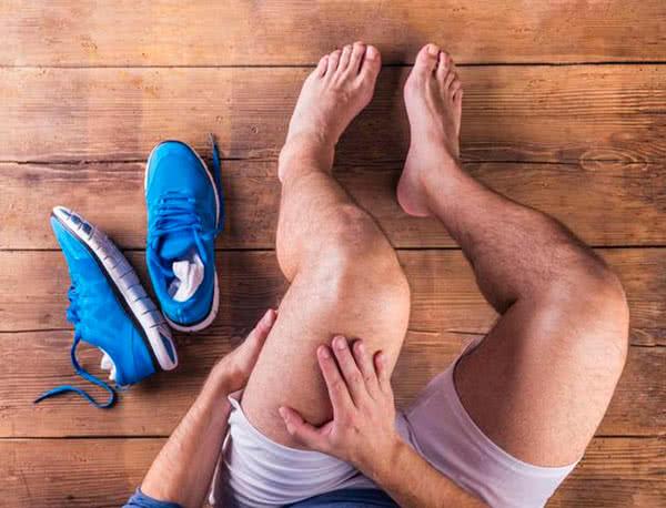 Причины воспаления в коленях