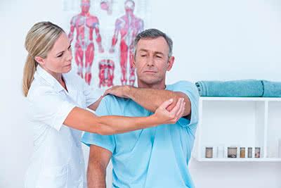 Изображение - Болят суставы рук к какому врачу обратиться vrach-sustavy-lokot