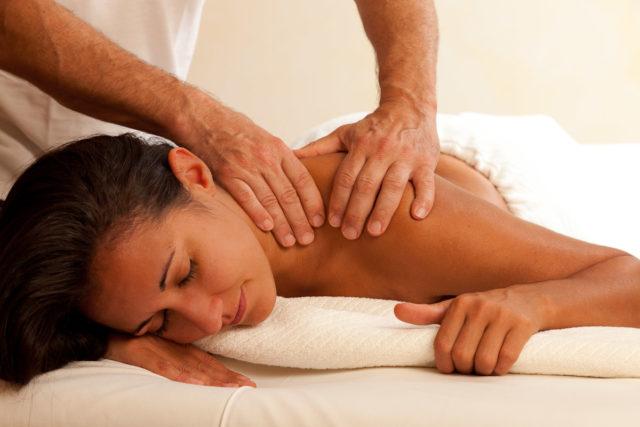 О симптомах и методах лечения плечелопаточного периартроза
